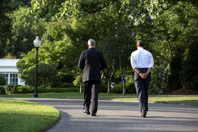 Obama, McDonaugh, White House grounds 8-5-13