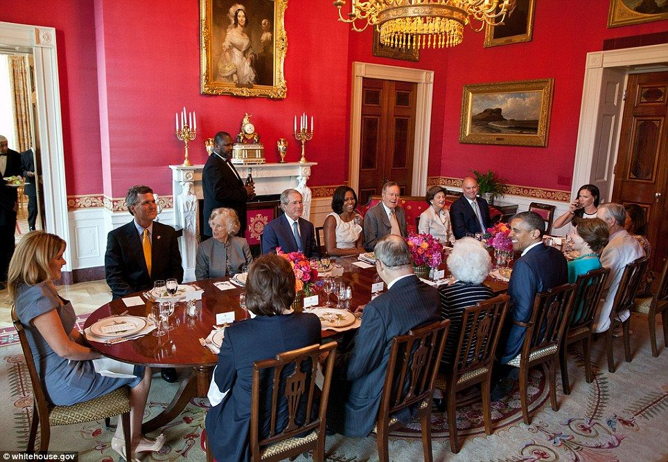 Barack and Michelle Obama with Bush family May 31, 2014 WH Photo