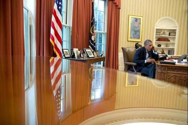 Barack Obama phones David Cameron Aug. 9, 2014