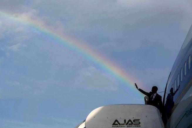 President Obama departs Kingston for Panama, April 9, 2015.