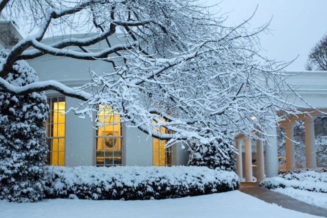 White House Snowy Night (WH Photo)