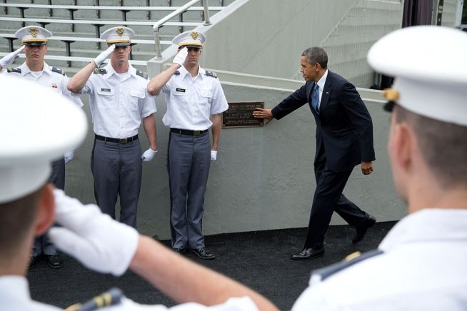 President Obama touches Marshall Placque at West Point, May 28, 2014