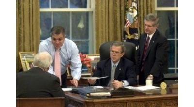 From left, Dick Cheney, George Tenant, President George W. Bush, and Andy Card