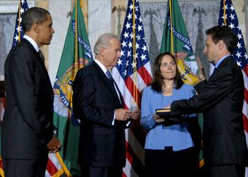 Tim Geithner sworn in 2009