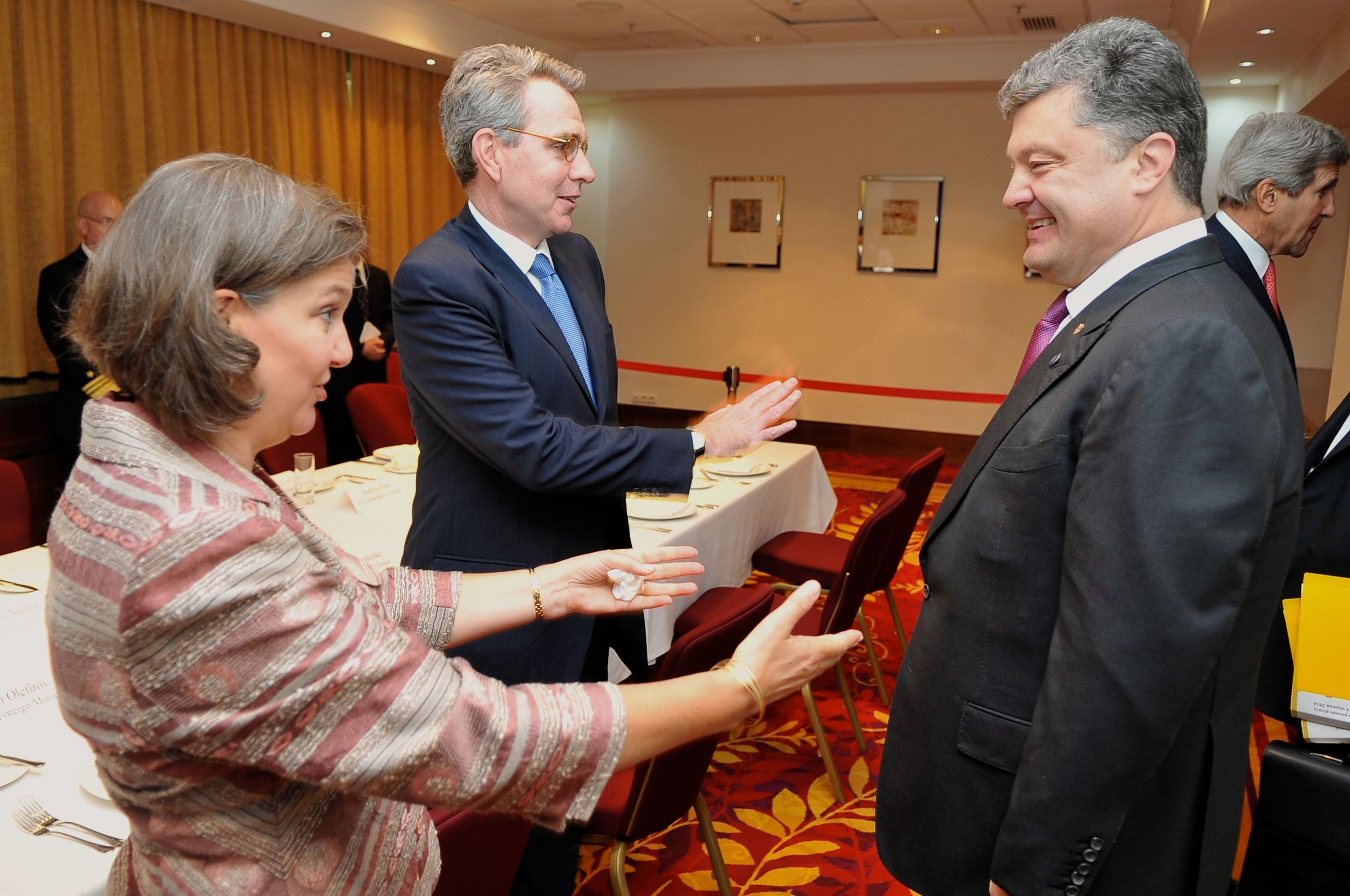 Victoria Nuland, Geoffrey Pyattt and Petro Poroschenko 2014