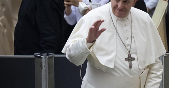 pope francis handwave washington post