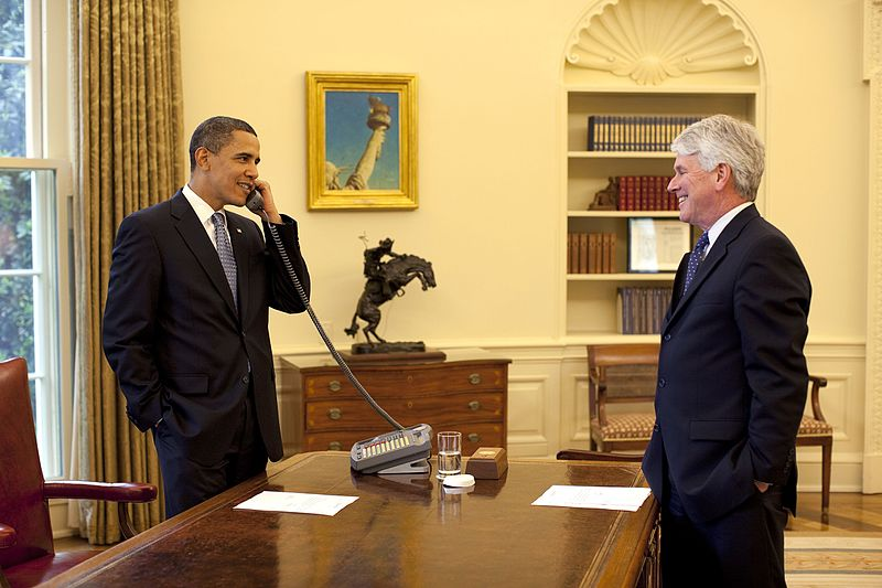 President Obama and White House Counsel Greg Craig talk with Supreme Court Justice David Souter in 2009 (Pete Souza photo)