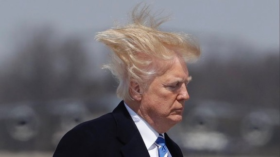 djt hair blown andrews afb reuters kevin lamarque 4 5 18 IMG 3250
