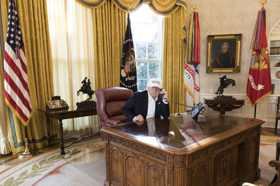 djt photo empty desk wh photo joyce boghosian 1 20 2018