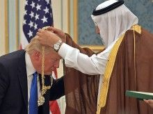djt saudi medal may 20 2017 afp