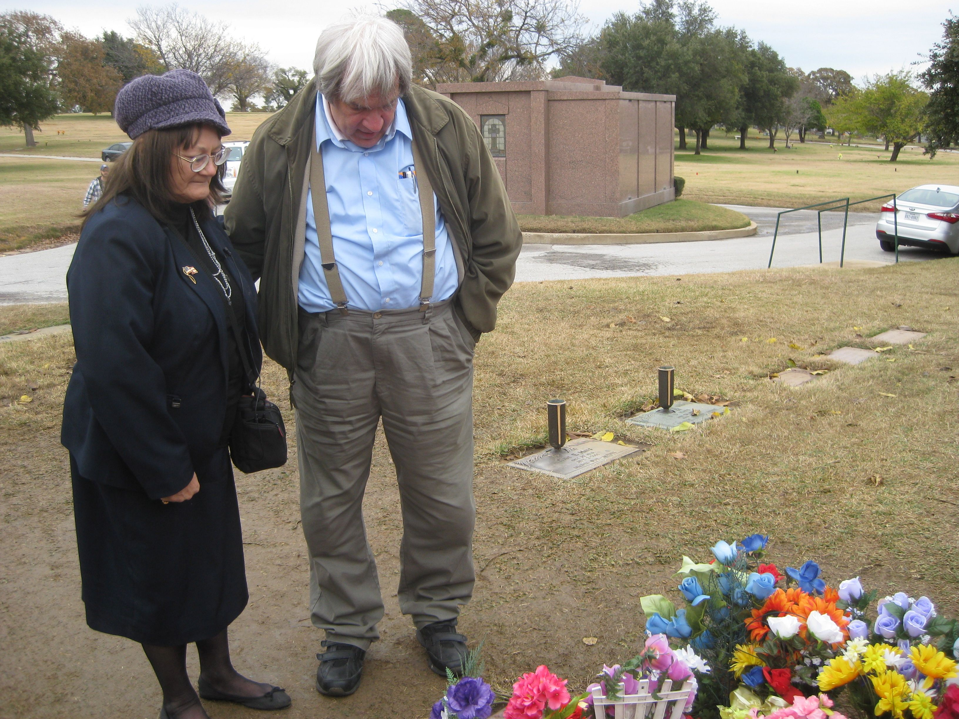 Judyth Baker and Robert Grodin at Oswald gravesite (Wayne Madsen Photo, with permission)